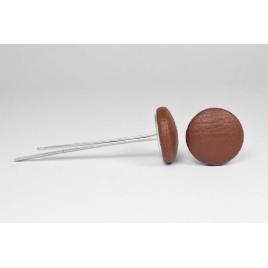 Bouton à languettes recouvert de simili cuir brun